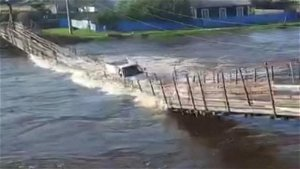 Miraculous escape for truck driver after suspension bridge collapses in Russia