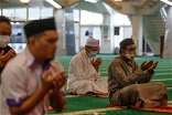 Perak mosques and surau open for prayers