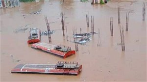 Navy sends seven rescue teams and helicopter to flooded regions in Maharashtra
