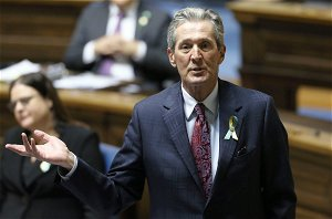 Pallister apologizes after inflammatory comments on Canada's origins