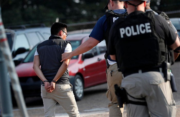 Immigration arrests fell to lowest level in more than a decade during fiscal 2021, ICE data shows