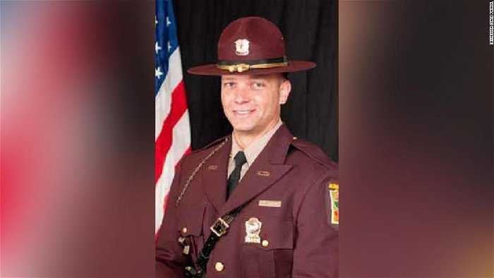 Former state trooper pleads guilty to sending driver's explicit photos to himself