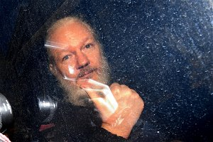 Sweden's probe made it impossible for Assange to 'defend himself' – UN rapporteur to RT