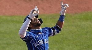 Blue Jays place Gurriel Jr. on COVID-related IL due to vaccine side effects