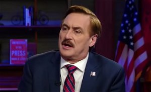 'MyPillow' Guy Humiliated After Rally Opens To Only 10 People