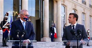 France and Australia agree submarines won't stop trade deal