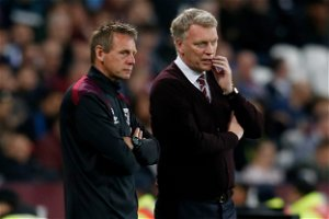 David Moyes: West Ham manager signs new three-year contract