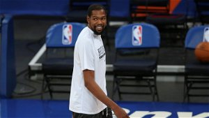 Kevin Durant's father pushed for Knicks signing after illicit meeting with team execs: book