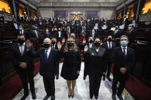 Guatemala's top court refuses to seat female justice