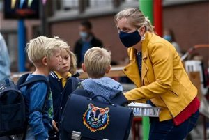 'Absurd': all Brussels schools should have the same Covid rules