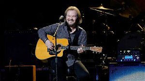 Country singer Travis Tritt won't perform at venues requiring vax proof, cancels 4 shows