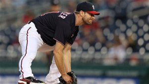 Nats' Scherzer exits after 12 pitches with apparent injury