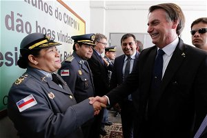 Army attends Bolsonaro and accepts Laura at a military college without a selection process