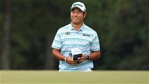 Matsuyama makes bogey, still leads Masters by 5