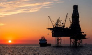 Keir Starmer calls for hard timetable to end North Sea oil and gas extraction