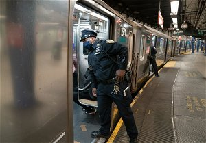 Surge of NYPD officers coming to subways: biggest deployment in 25 years says Mayor de Blasio