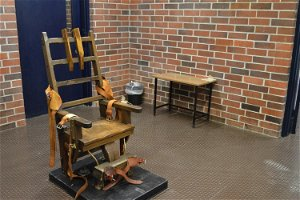 New law makes inmates choose electric chair or firing squad