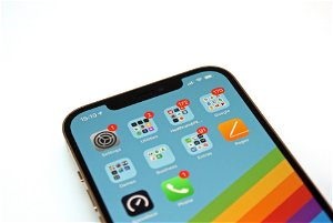 Xiaomi Mi 11 Ultra vs iPhone 12 Pro Max: Camera-savvy heavy hitters face off