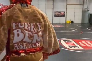 Video! Askren Shows Off 'Funky' Boxing Robe