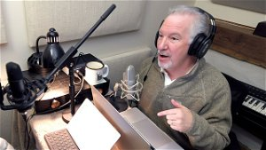 Talk radio host with COVID regrets vaccine hesitancy