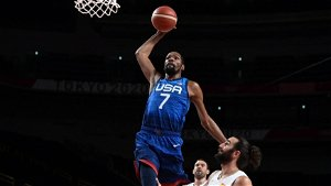 Basketball-Durant leads USA into semis with Slovenia; France, Australia advance