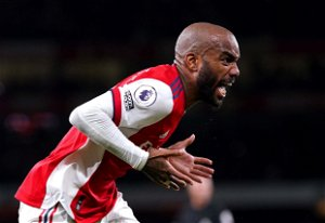 Lacazette's late late show rescues point for Arsenal