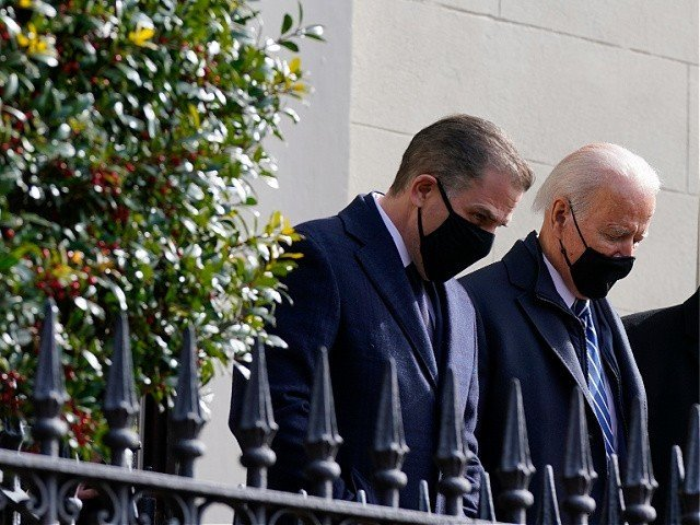 Biden stops presidential motorcade on return from church to buy bagels