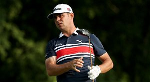 Gary Woodland's slice at the 3M Open became one of the most impressive pars you'll see