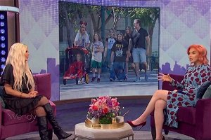 Watch Tori Spelling Dodge Question About Where She Stands With Dean McDermott