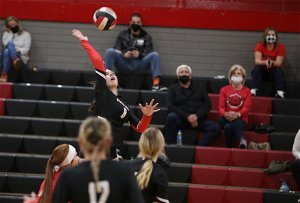 Coconino volleyball inching toward playoff contention with win over Mohave