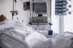 Polish hospitals struggle with surge of COVID-19 patients