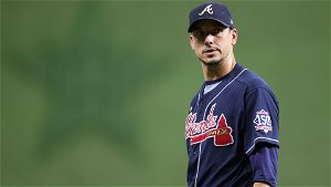 Braves' Charlie Morton fractures fibula in Game 1, out for rest of World Series