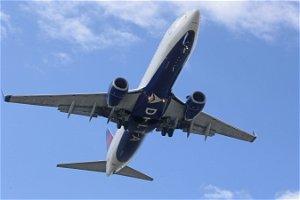 Delta passenger allegedly makes terroristic threats, assaults flight attendants: Police