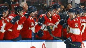 NHL Scores: Panthers, Sharks stay unbeaten; Blackhawks booed off ice