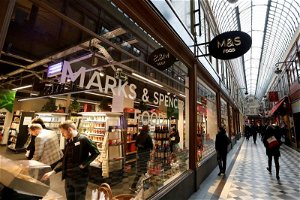 Marks & Spencer blames Brexit as it closes 11 French stores