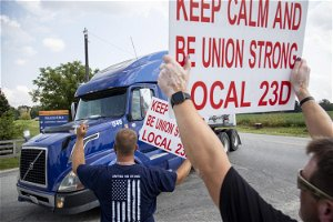 Striking bourbon workers ratify new Heaven Hill contract