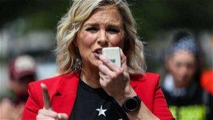 Texas Supreme Court voids restraining order against salon owner