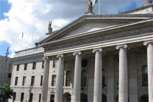 Man arrested outside GPO during 'Rally For Freedom' anti-vaccine protest