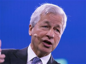 JPMorgan CEO Dimon sees U.S. economic boom through 2023