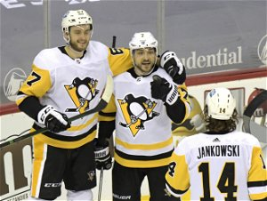 Rust scores 2, Crosby gets goal, 2 assists, Pens beat Devils