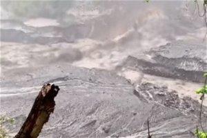 Spectacular mudflows at La Soufriere volcano