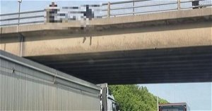 'Hero' lorry driver parked under M62 bridge amid fears man was going to jump off it
