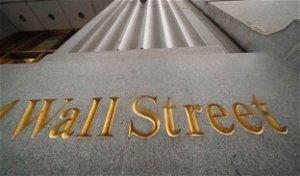 US stocks slip as investors weigh corporate earnings, jobs data