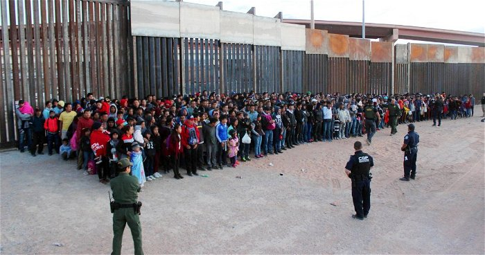 New Mexico camp pauses plan to house migrant children